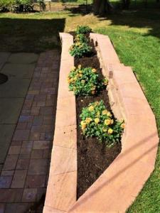 Using Retaining Walls for Landscaping